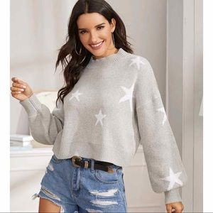 Sweaters - New! Oversized chunky knit star cropped sweater